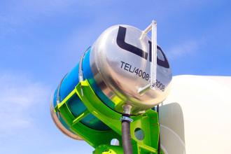 【铝合金水箱】采用新一代铝合金水箱,容积500/360升,重量减轻52公斤,防锈性能更好,寿命更长。