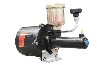 【安全的制动系统】1.特制加力泵;2.四级除水设计。