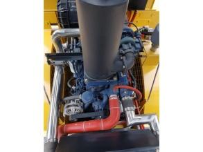 【发动机】1.采用潍柴WP6G大功率重载柴油机,电控高压共轨,油耗比同行降低19%以上; 2.采用水箱和液压油散热器一体的单层散热器,通风性好,散热性能佳。