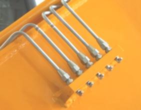 【销轴注油】工作装置黄油集中补给,一次操作,可实现多点润滑,减少机手工作量。