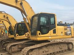 新疆乌鲁木齐低价出售优质小松130、200、220、240、360二手挖掘机