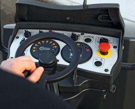 宝马格BW 138 AD-5轻型双钢轮压路机高清图 - 外观