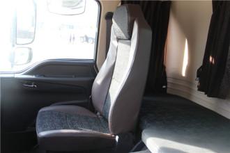 雷萨重机FTC85X6汽车起重机高清图 - 驾驶室