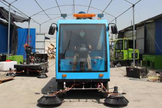 路霸LB-700电动扫路机 座驾式扫地机高清图 - 外观